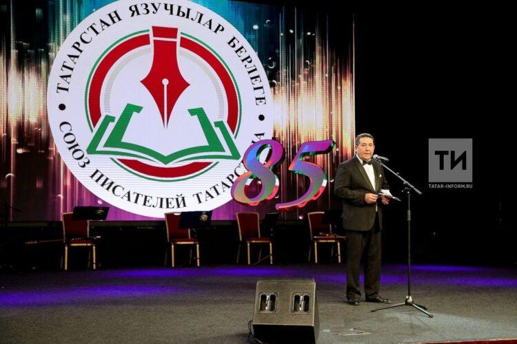 Марат Кәбиров: Татарстан Язучылар берлеге бар, тик аларның күбесен татар белми